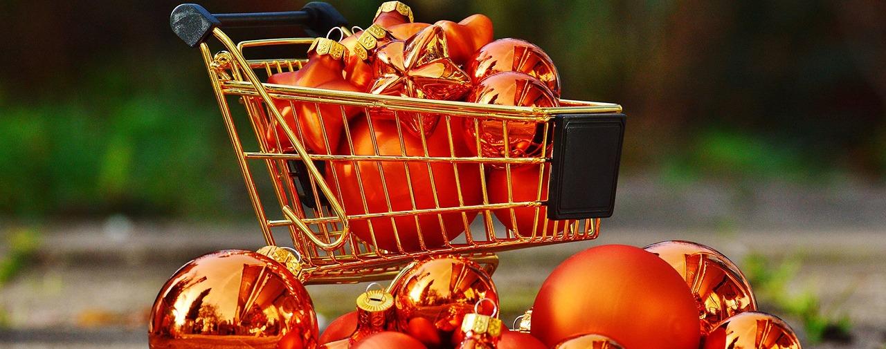 MediaAnalyzer-Studien-LEH-Weihnachtsspots-Social-Media-Ads-Hashtags-Weihnachten-Einkauf header