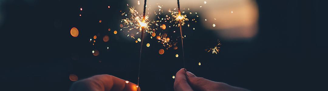 mediaanalyzer-studie-silvesterfeuerwerk-wunderkerzen-hande